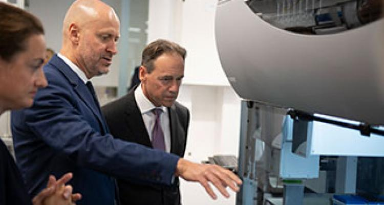 WEHI director and Health Minister Greg Hunt